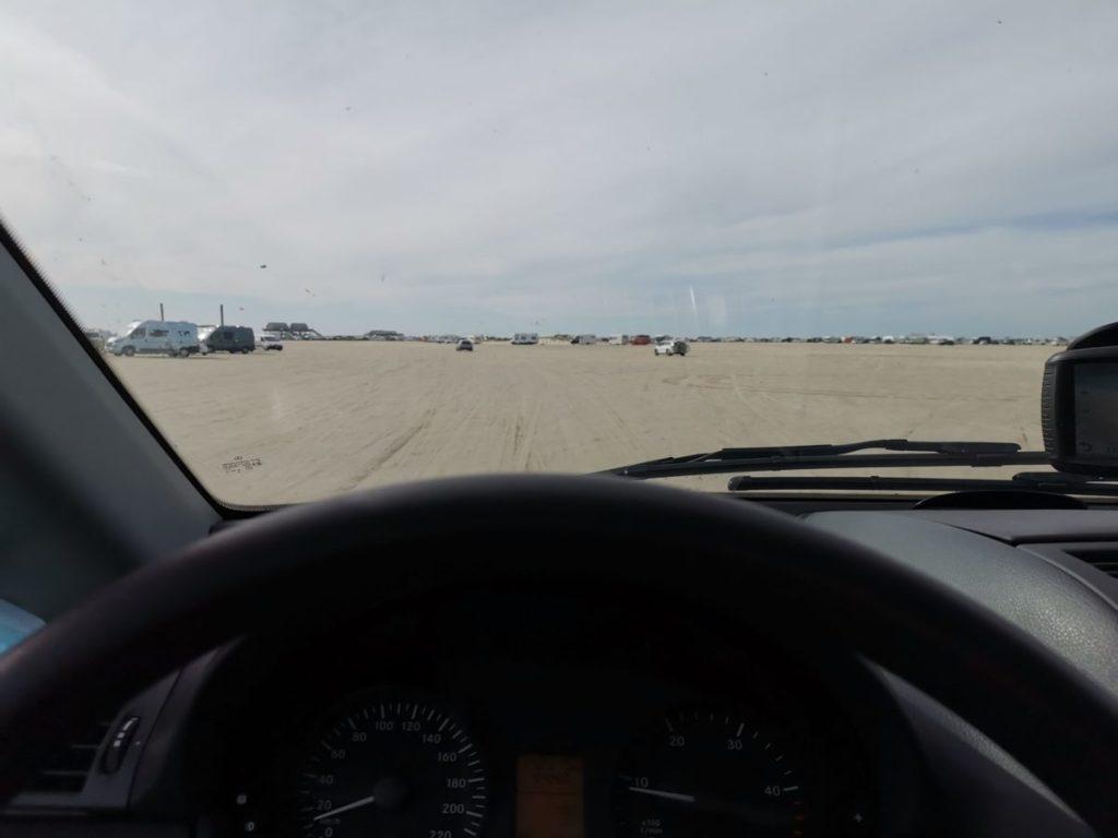 Strandueberfahrt mit dem Van in Deutschland