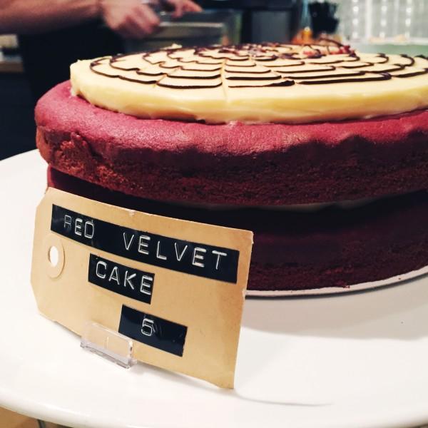 Bakers and Roasters red velvet cake amsterdam