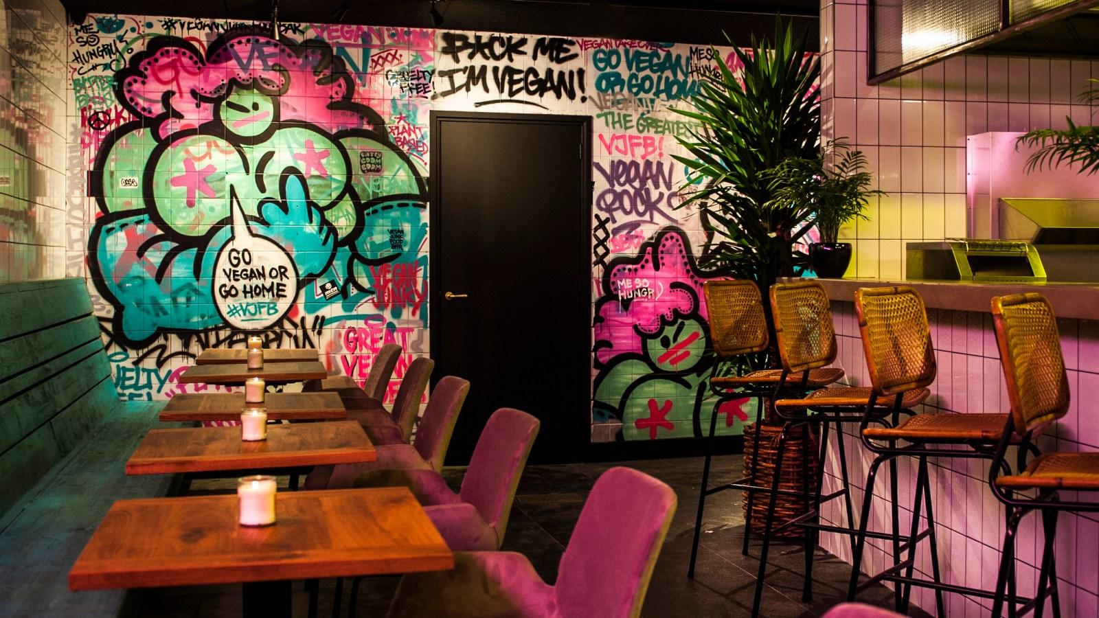 De Vegan Junk Food bar opent in De Pijp