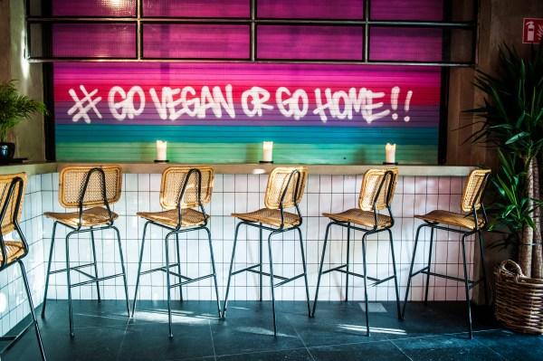 The Vegan Junk Food Bar opent in Oost