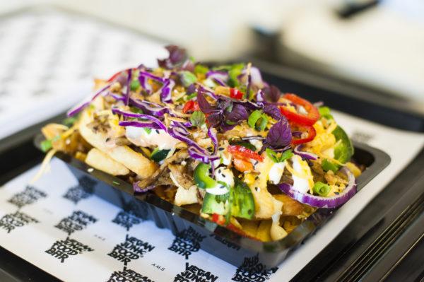 Deliveroo viert World Vegan Day met bestellingen van Vegan Junk Food Bar