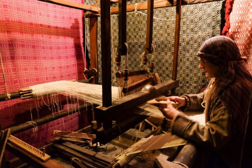 nativity scene of equi terme textile worker