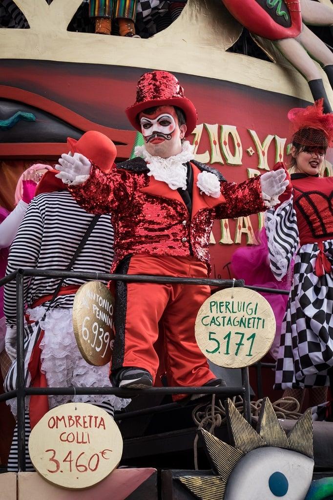 Dwarf carnival of viareggio