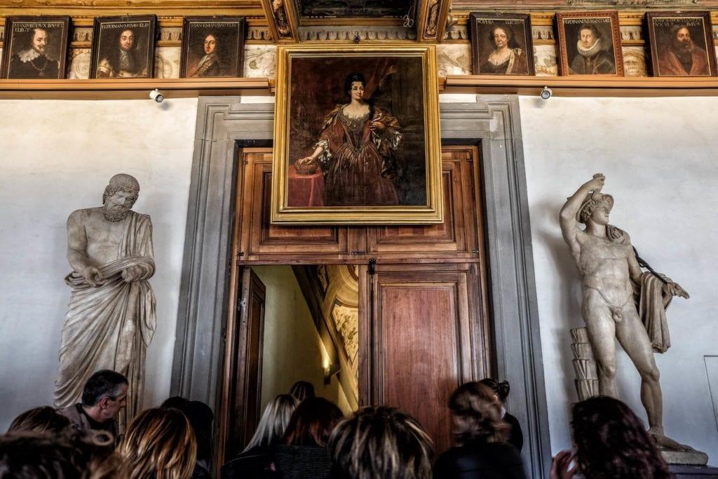 The entrance door of Vasari Corridor