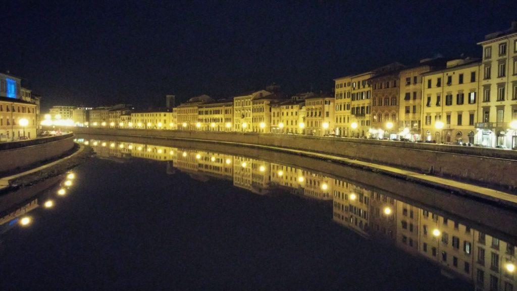 Lungarni at night, Pisa