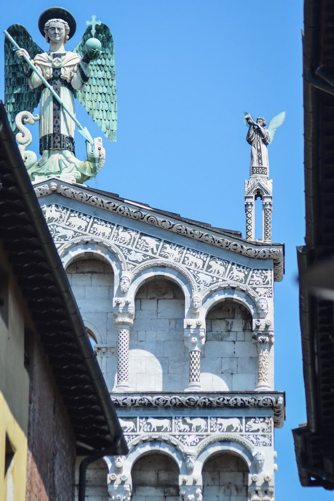 A glimpse of St Michele al Foro in Lucca and his friends