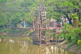 Siem Reap's river...