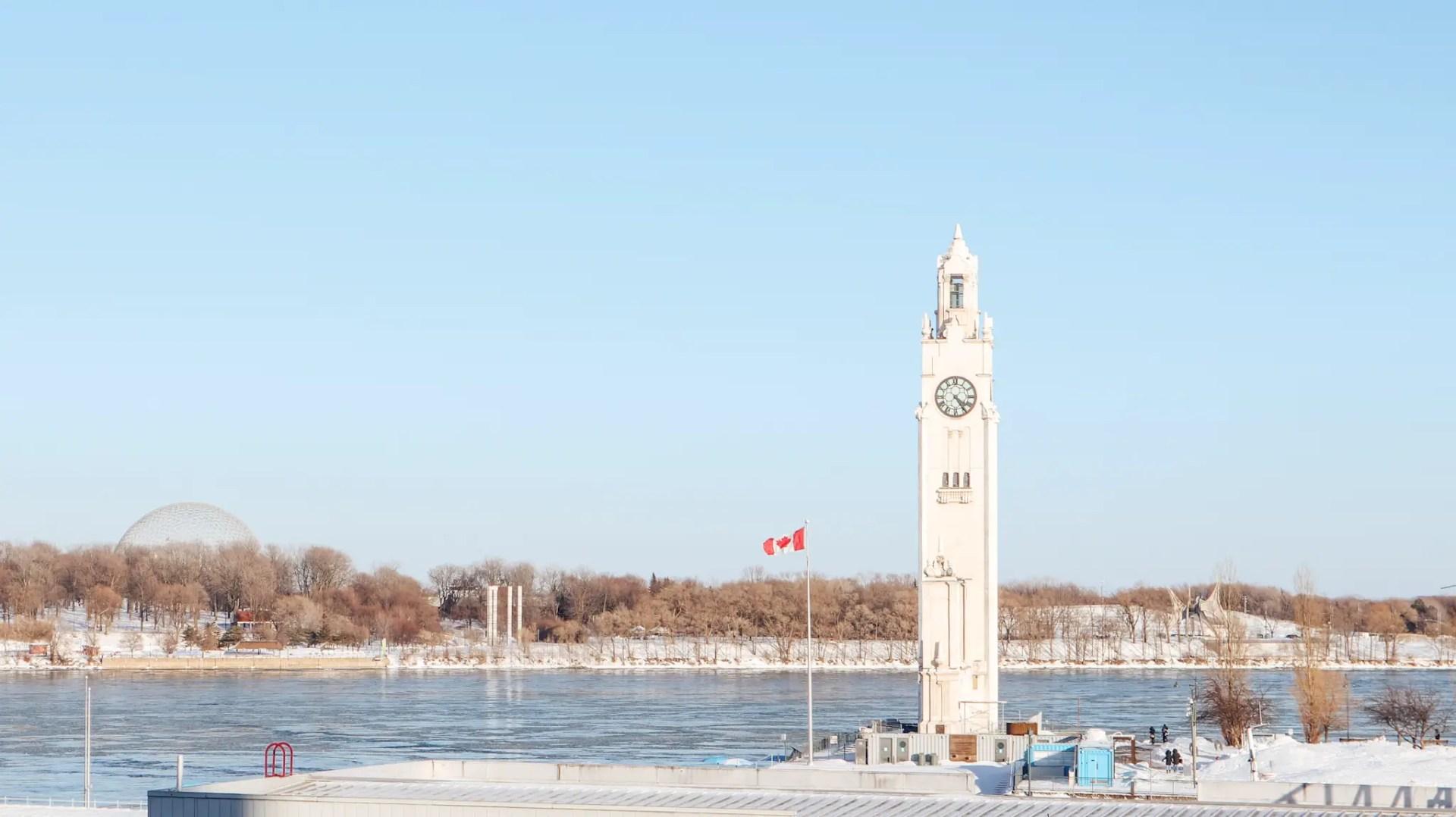 quai de l'horloge montréal hiver