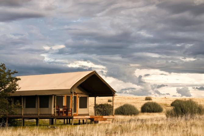 cedarberg-desert-rhino-camp-standard-tents-3