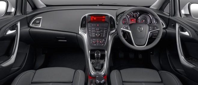 ZA_Opel_Astra_Sedan_gallery-interiorView_stage992x425