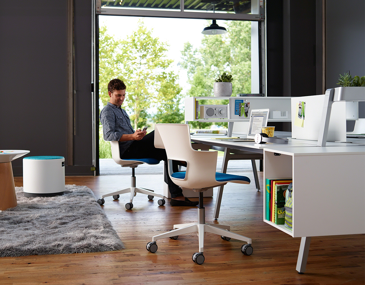 chair connected to desk acorn lift parts bivi collection of modular office systems turnstone system in white finish with 4 desks floating side storage privacy