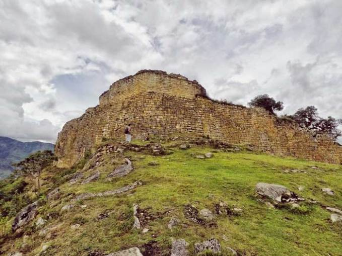 kuelap-ruins