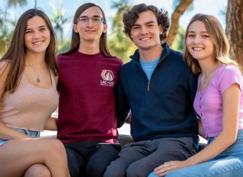 Siblings, all new Trojans, rebound after tragedy with community's help