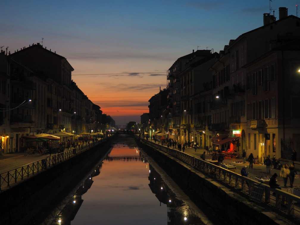 Навильи на закате Милан за один день Как посетить Милан за один день? milan navigli