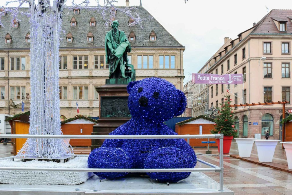 Место Гутенберга Страсбургские рождественские ярмарки Почему вы должны посетить Страсбургские рождественские ярмарки strasbourg place gutenberg