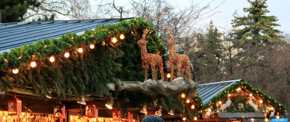 рождественские олени рождественские рынки в Вене Лучшие рождественские рынки в Вене rathaus christmas reindeers