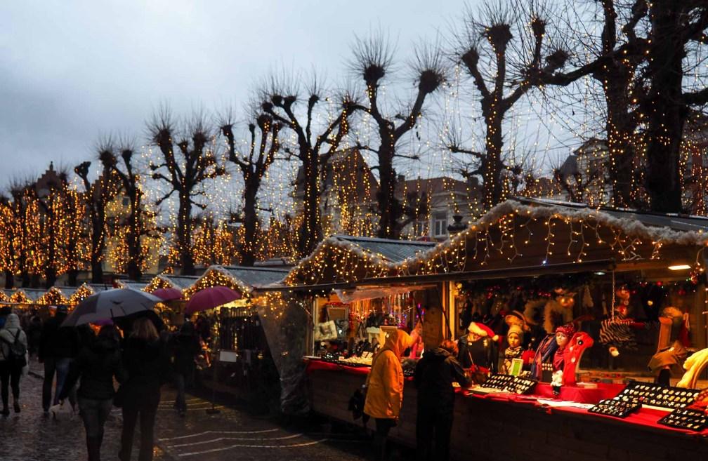 Симон Стевинплейн Рождественский базар Рождественские ярмарки в Генте и Брюгге Рождественские ярмарки в Генте и Брюгге bruges simon stevinplein
