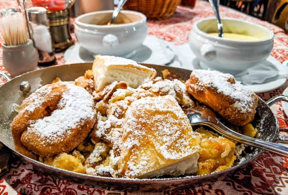 Bratwurst-Glöckl am Dom Идеальный Мюнхенский маршрут Идеальный Мюнхенский маршрут munich bratwurst glockl dom dessert