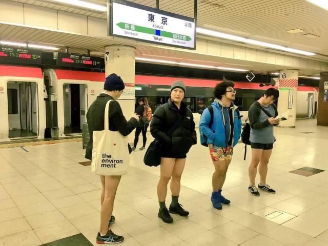 日本東京 無褲地鐵日 (圖片取自Improve Anywhere網站)