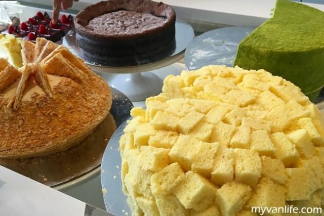 dessertIMG_4578LadyM