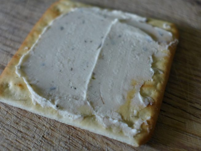 soft-cheese-on-cracker2