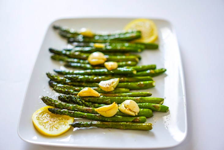 Easy Oven Roasted Garlic Lemon Asparagus