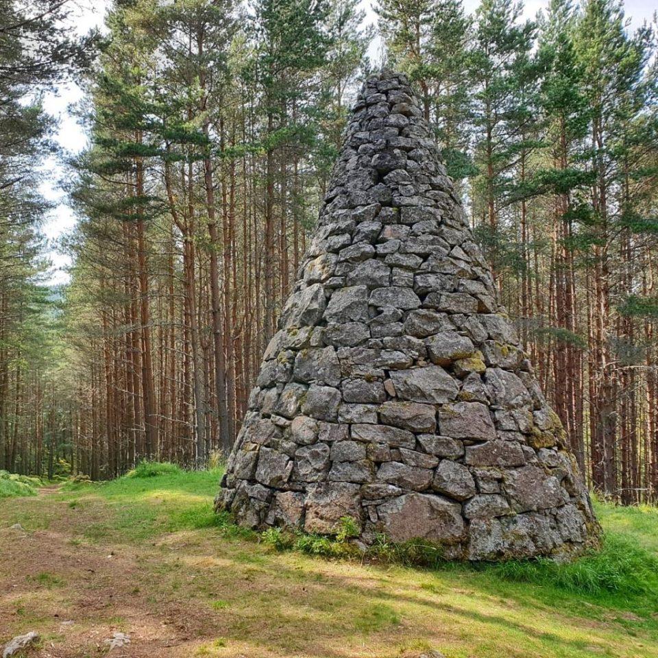 small cairn balmoral