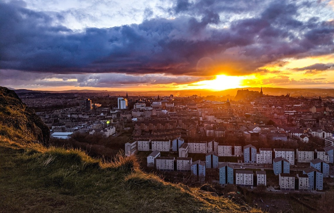 funniest negative tripadvisor reviews arthurs seat edinburgh