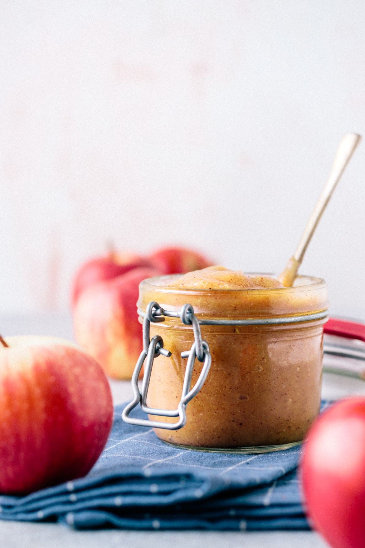 Homemade Apple Butter (With A Hint Of Ginger & Cinnamon)