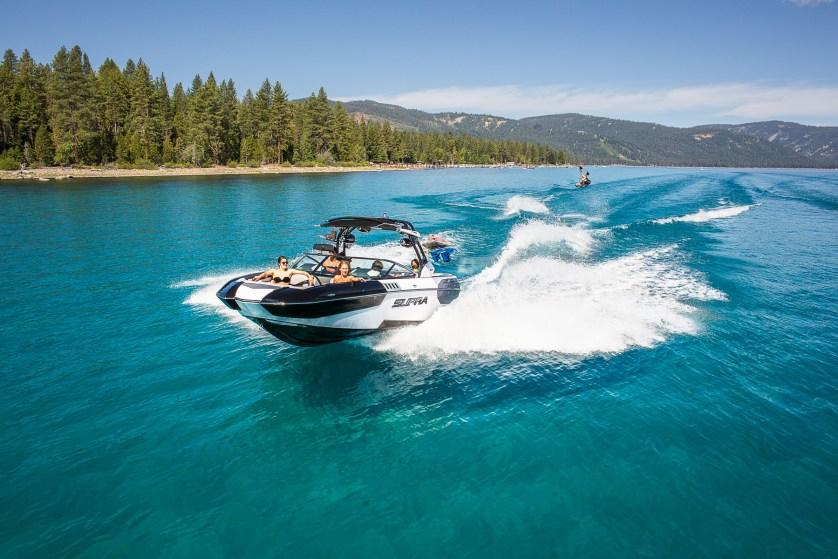 boating-tahoe-lake