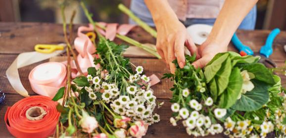Importance of Placing Fresh Flowers in an Office
