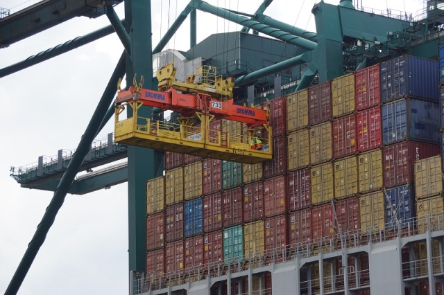 shipping containers transports services