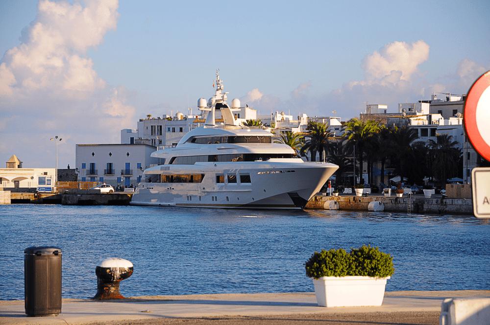Luxury Yacht Charter Newport Beach
