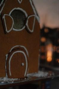 1512-gingerbreadhouse-1