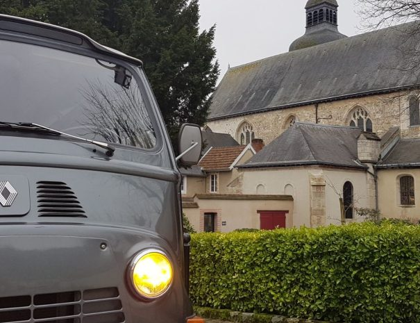 The heart of Champagne - Wine tours in a vintage van Reims Epernay