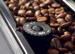 DeLonghi ESAM 4200 Coffee Machine