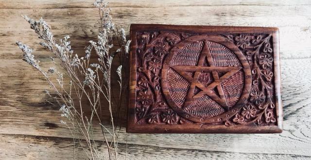 Engraved Tarot Box