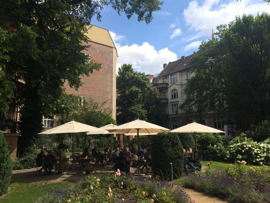 Cafe Wintergarten next to Literaturhaus Berlijn