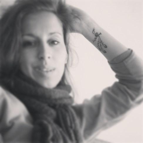 Tattoo tatoeage pols vogel