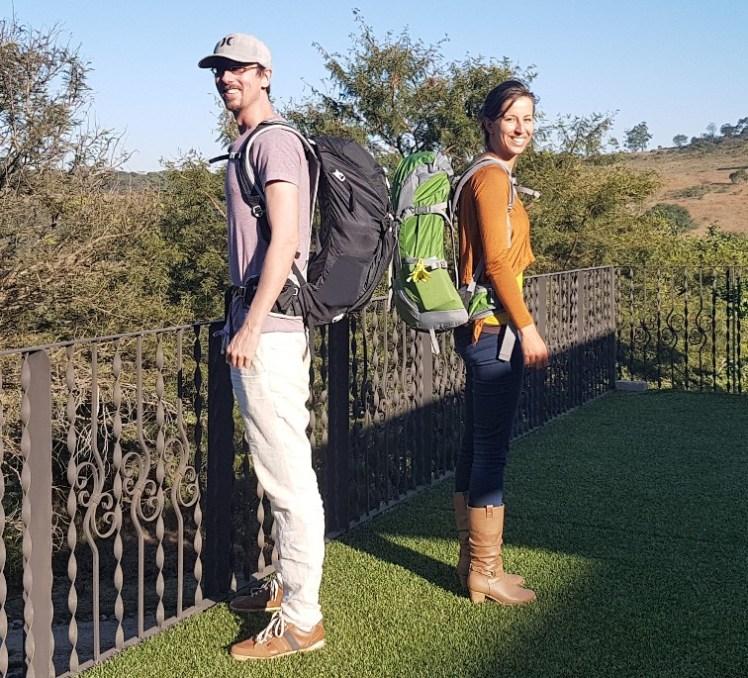 Maarten en ik met maar 9 kilo bagage per persoon