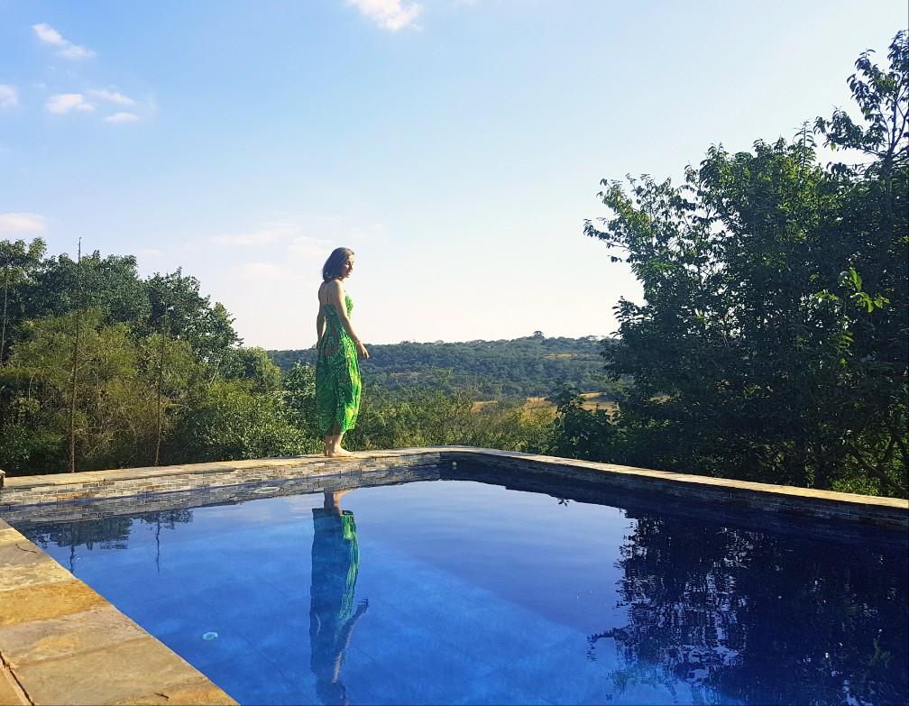 zwembad Zuid Afrika groene jurk