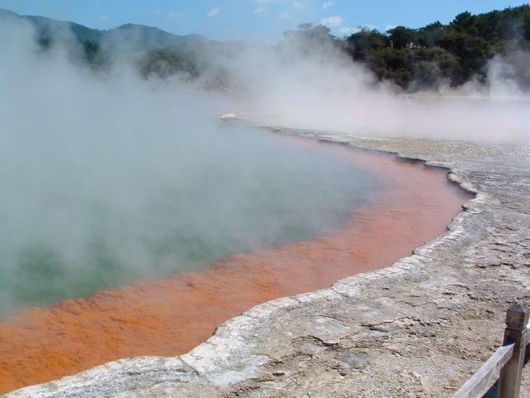 Champagne pool Rotorua Nieuw Zeeland