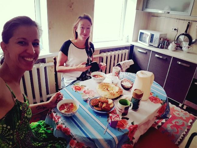 Ontbijt kirgizie bishkek
