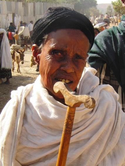 Ethiopië close up oude mevrouw op markt