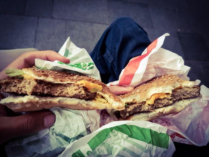 Smullers hamburger en vegetarische hamburger