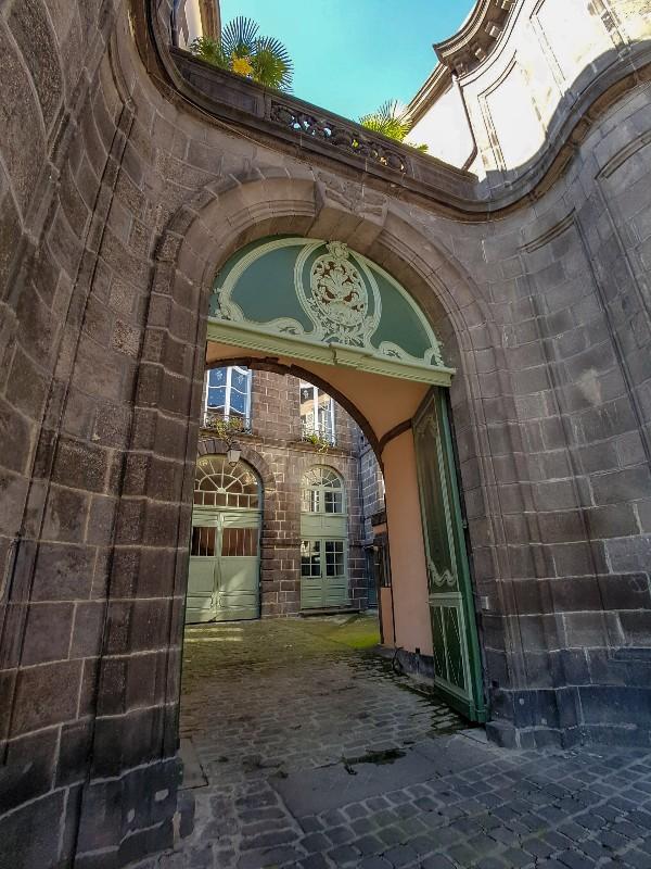 Mooie voordeuren Clermont Ferrand Frankrijk