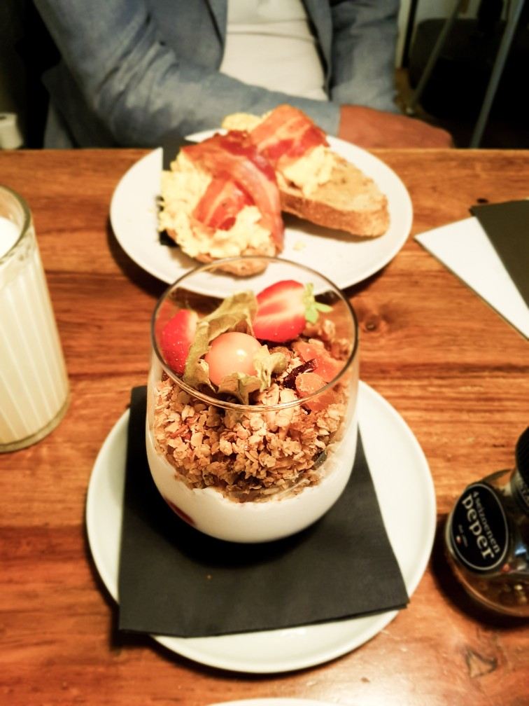 Hemels ontbijt taarten granola Arnhem