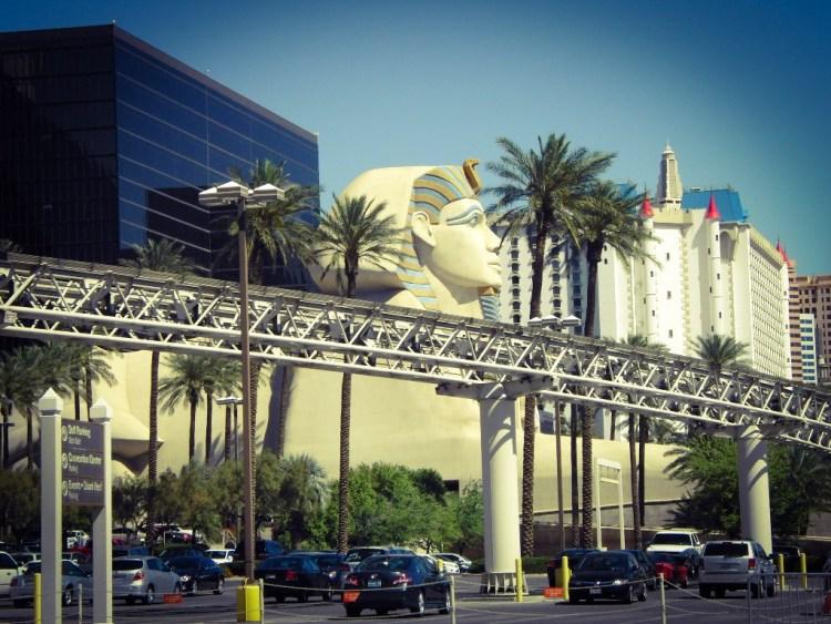 Luxor Hotel en Casino Las Vegas Monorail (3)