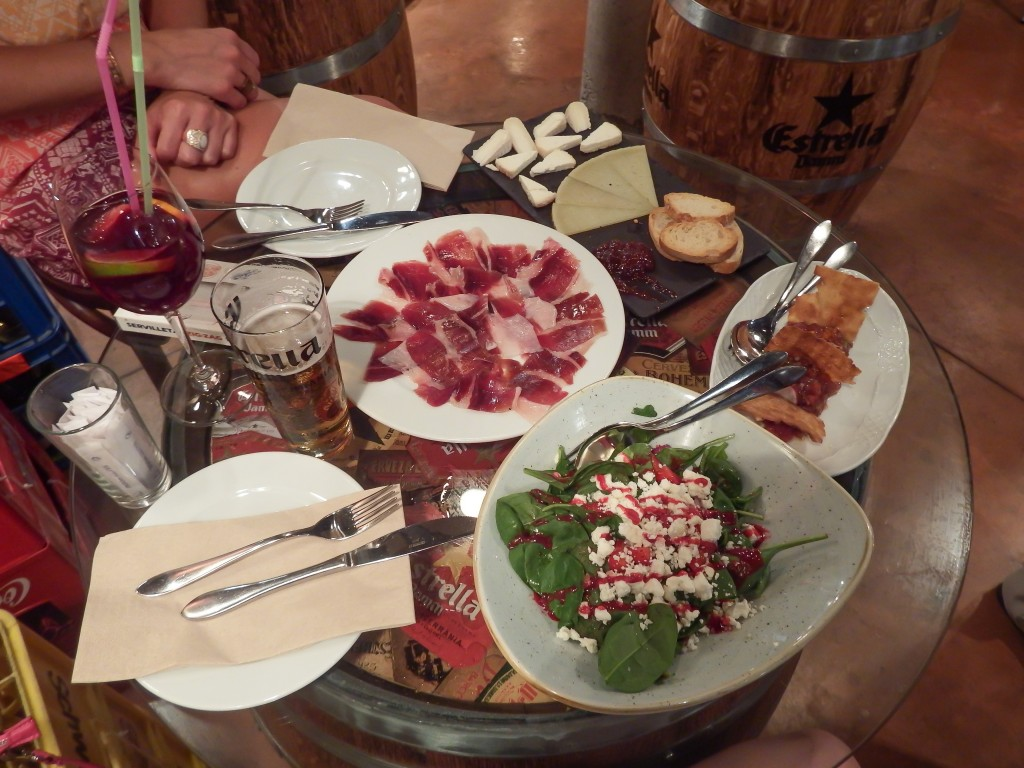 Tapas for lunch at Bodega la Puntual in Barcelona, Spain