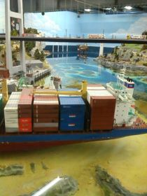 HH Containerschiff